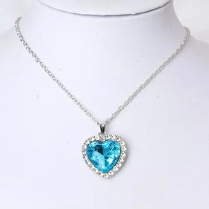 NEW Gorgeous Bluee stone Titanic Necklace